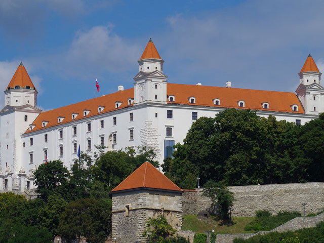 Bratislava Castle four tower symbol