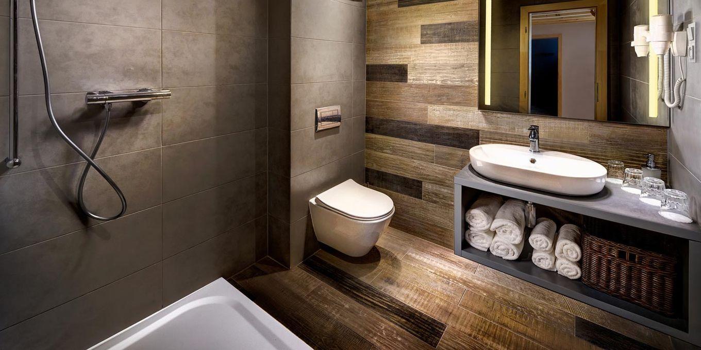 Deluxe apartment bathroom - Holiday Village Tatralandia