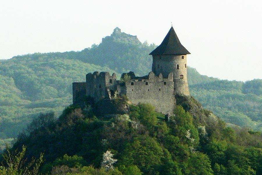 Slovakia Tours from Bratislava - Somoska castle