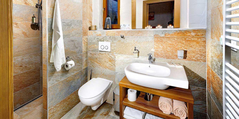Centrum Mountain chalet bathroom - Chalets Jasna Collection