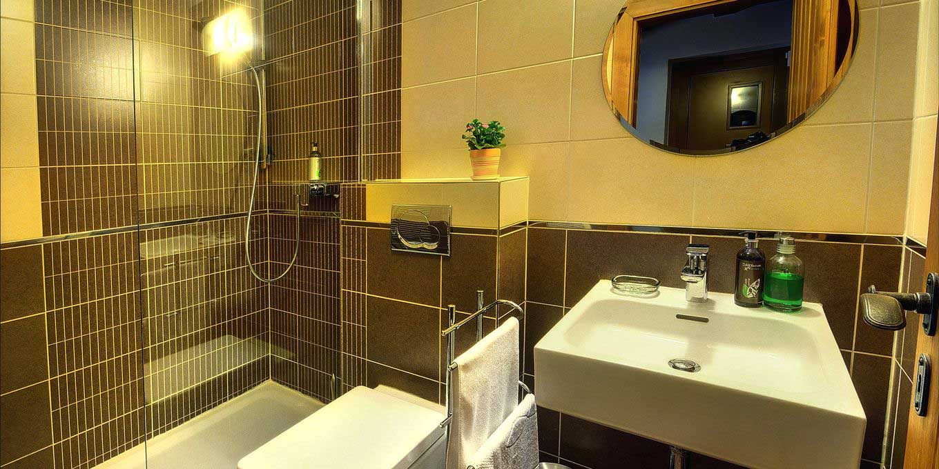 Zahradky Mountain chalet bathroom - Chalets Jasna Collection