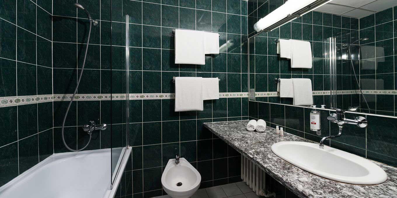 Comfort suite bathroom - Esplanade Ensana Health Spa Hotel