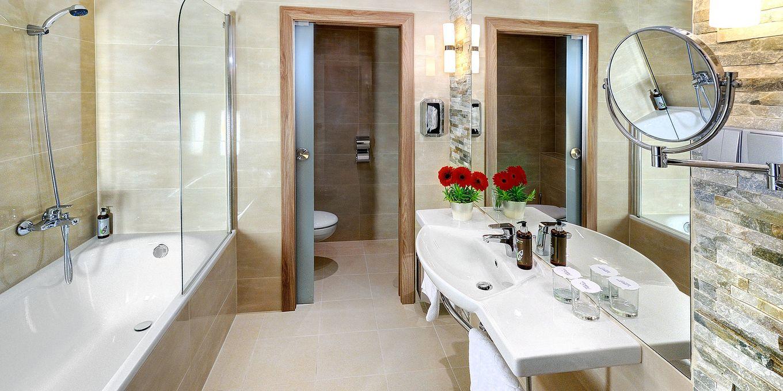 Deluxe bathroom - Grand Hotel