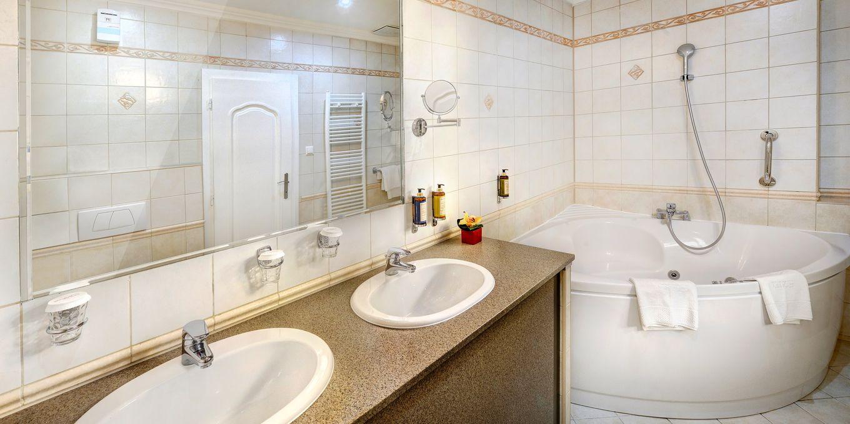 Suite bathroom - Grandhotel Stary Smokovec