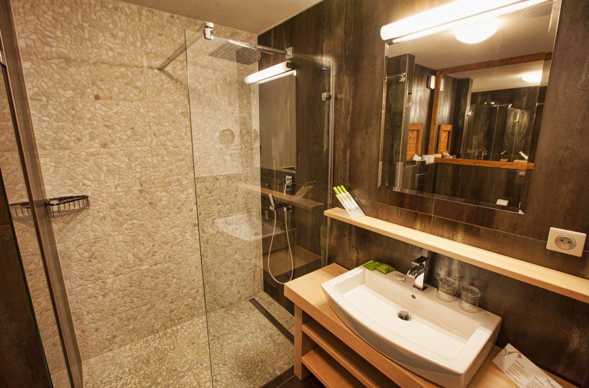 Residence Bathroom - APLEND Kukucka Hotel