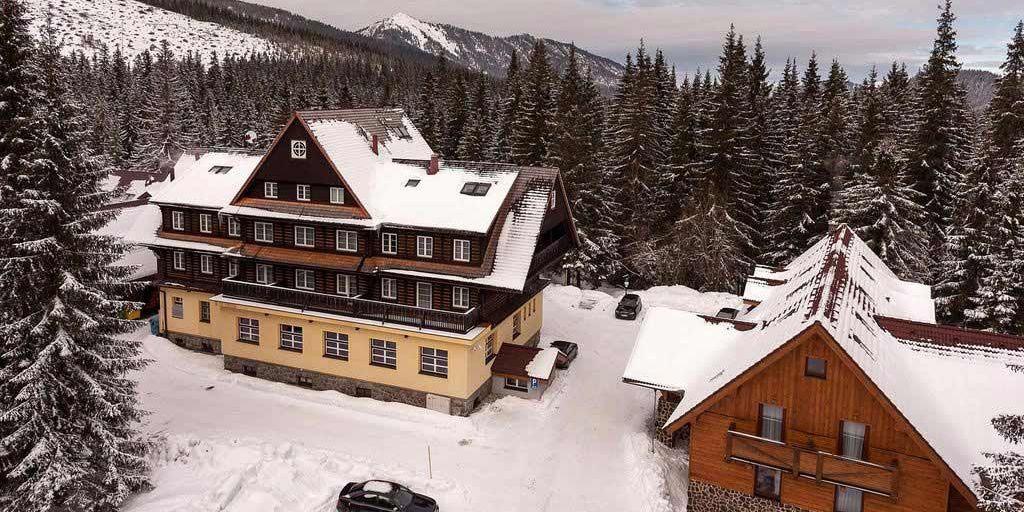 Mikulasska Chata Hotel - Отель Микулaшcкa Xaтa / Hotel Mikulasska Chata