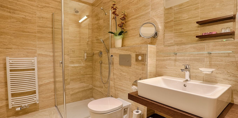 Bathroom - Comfort suite - Pro Patria Ensana Health Spa Hotel