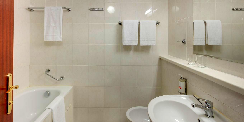 Comfort bathroom - Splendid Ensana Health Spa Hotel