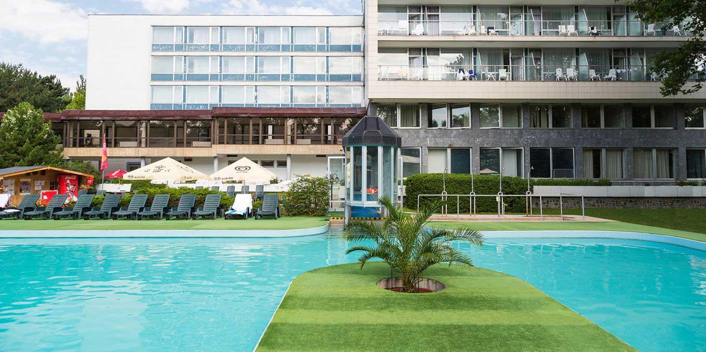 Outdoor pool - Splendid Ensana Health Spa Hotel