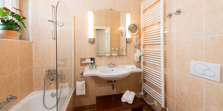 Deluxe bathroom - Thermia Palace Ensana Health Spa Hotel