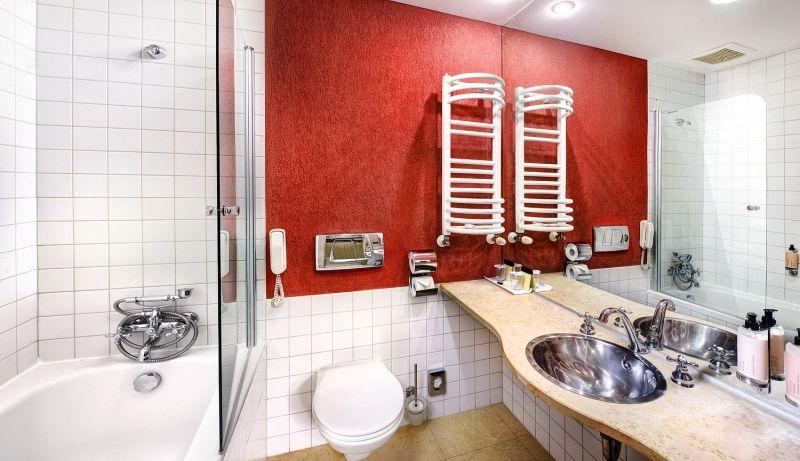 Bathroom - Отель Tры Колодчикa / Hotel Tri studnicky